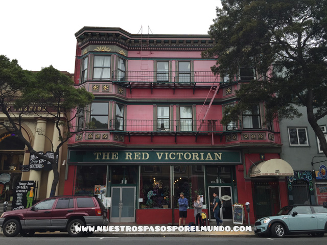 THE_RED_VICTORIAN